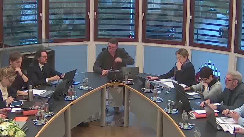 3.0 Motion relative à la publication des rapports des commissions consultatives