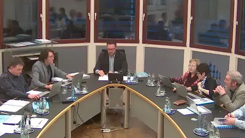 2.2. Commissions consultatives communales - Remplacement d'un membre à la commission des finances